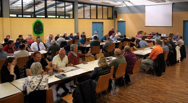 Die Delegierten bei der Versammlung der Vereine in Arheilgen 2016