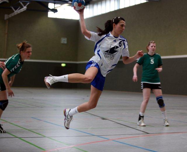 http://www.hbz-da.de/galerie/albums/ftp/Spield_der_Woche/Saison20112012/Frauen/20120415_TVSiedelsbrunnII_TuSZwingenberg/normal__IMG_7735.jpg