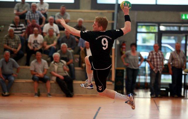 http://www.hbz-da.de/galerie/albums/ftp/Spield_der_Woche/Saison20112012/Maenner/20120428_MSGCrumstadtGoddelau_TGEberstadt/normal__IMG_8804.jpg