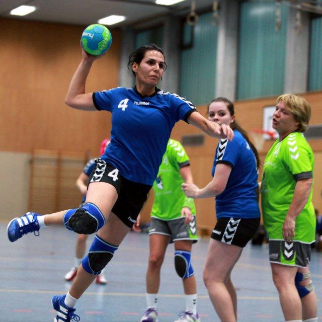 http://www.hbz-da.de/galerie/albums/ftp/Spield_der_Woche/Saison20122013/Frauen/20121104_TuSZwingenbergII_SGArheilgen/normal__IMG_0403.jpg